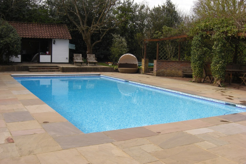 Swimming pool tiling and finishes ascot pools swimming for Swimming pool surrounds design