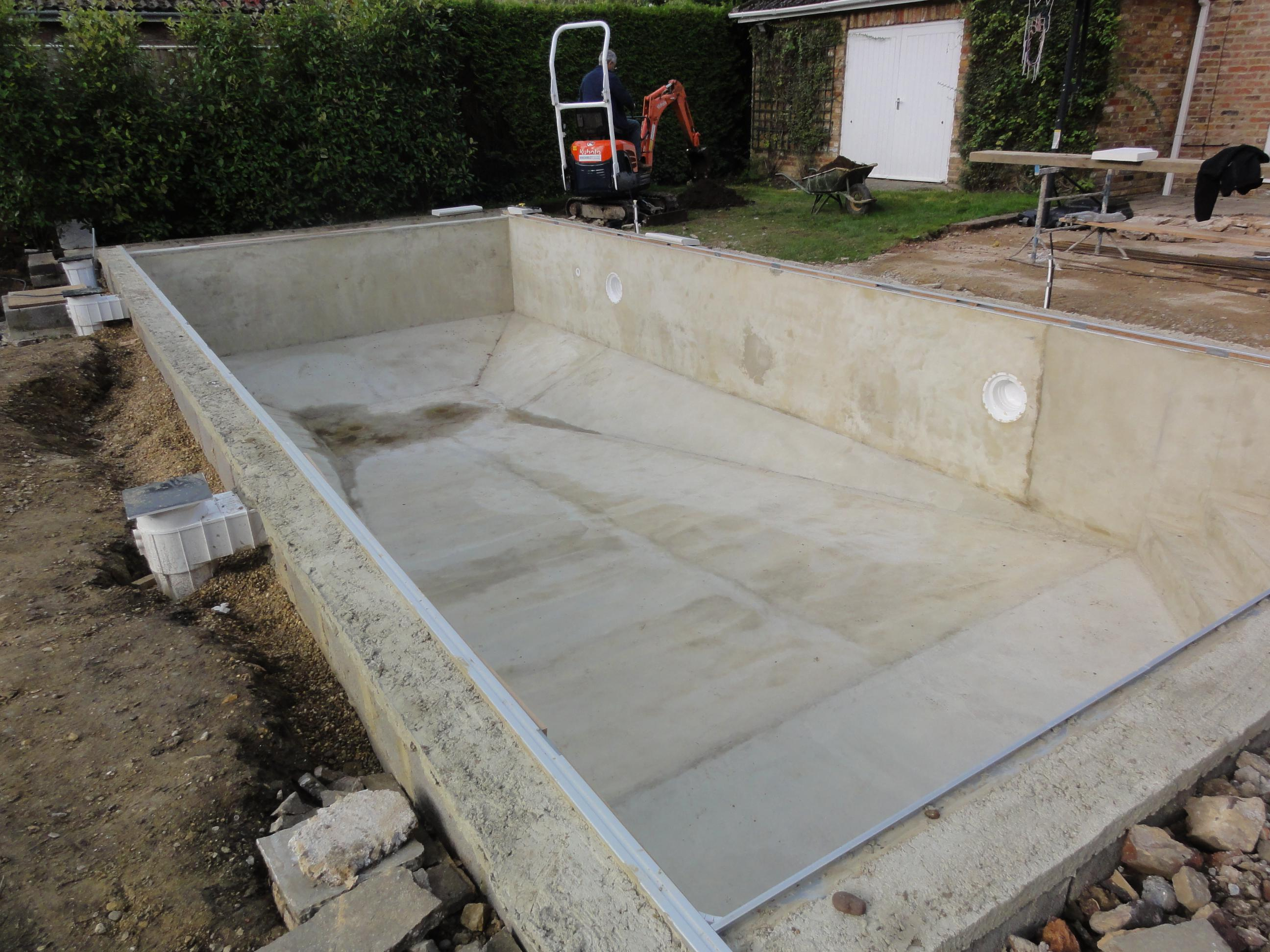Liner pool wall construction ascot pools swimming pool for Concrete pool construction