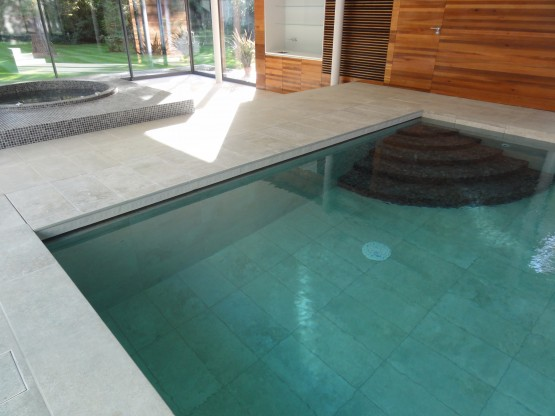 Pool  slat cover chamber and entry steps